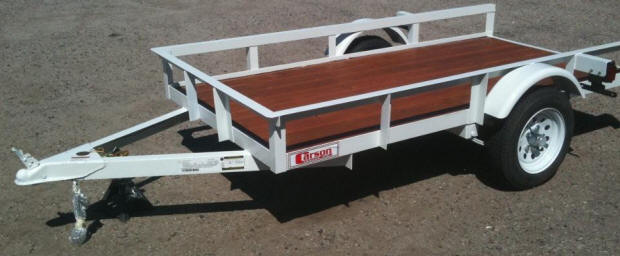 carson trailer 5 ft wide and 8 ft long this is one of the better trailers this is the quality of the versa yuppie and pulmor trailers